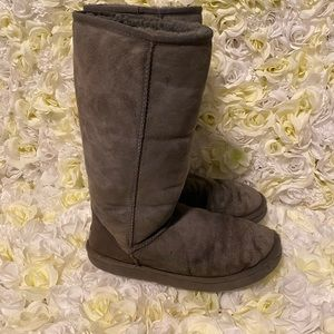 UGG tall gray boots size 10
